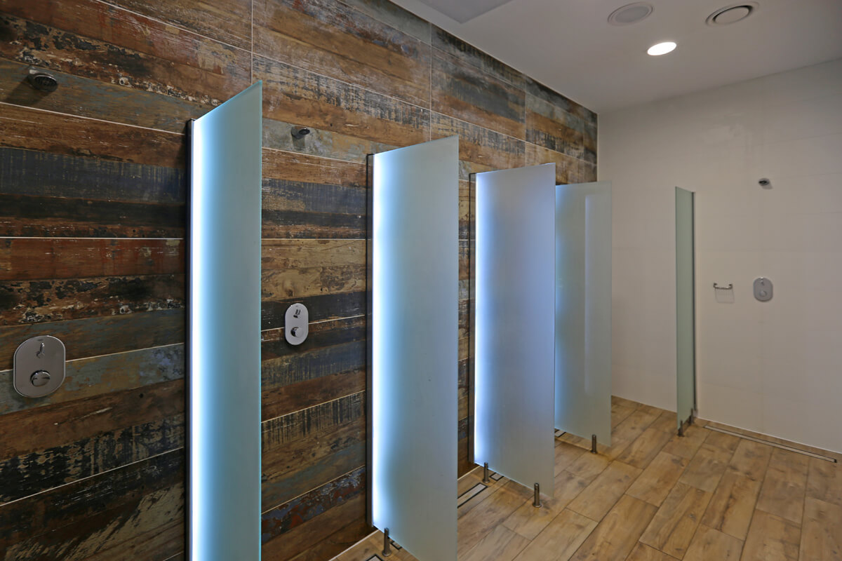 Herren-Duschen